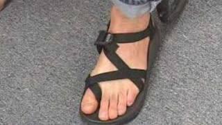 chacos for narrow feet