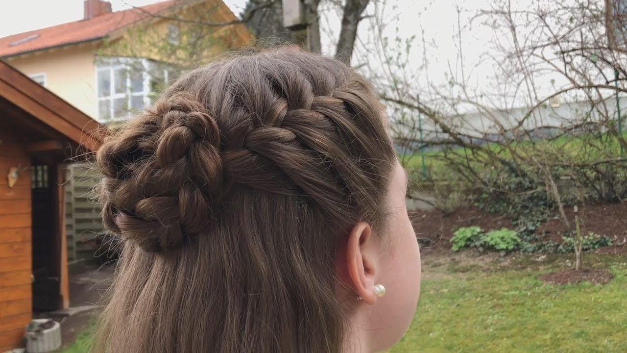 Dirndlfrisuren Tutorial Geflochtene Schnecke Mit Halboffenen Haaren