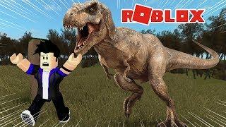A DINOSAUR ATTACKED ME 😰!!! -ROBLOX (Dinosaur Hunter) #SóPorCausa