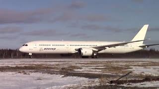 Boeing 787-10 Dreamliner - Takeoff