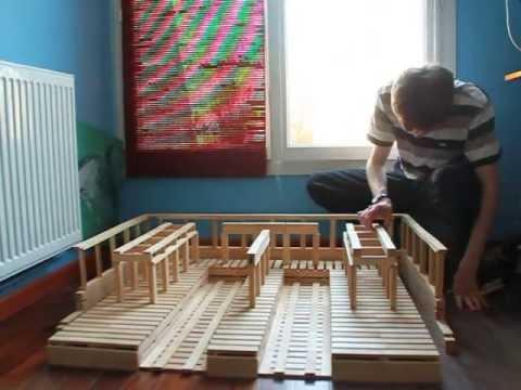 Kapla gare youtube for Construire une maison en kapla