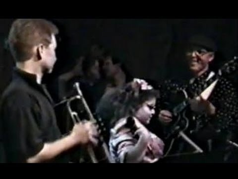 Live @  Chicago's GREEN MILL - jazz vocal prodigy EMILY HADDAD (age 10)