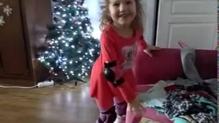 �������� ���� Учимся кататься на роликах дома ������