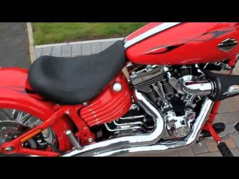 Harley Davidson 2011 Rocker C FXCWC - YouTube
