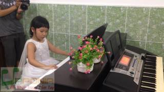 Lớp Piano Trẻ Em Thủ Đức -Thùy Trang -Mùa Xuân Đến Rồi [TT Âm Nhạc Upponia -Tự Học Piano]