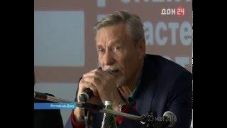 Александр Михайлов - главный герой фильма «Любовь и голуби» провёл творческие встречи в Ростове