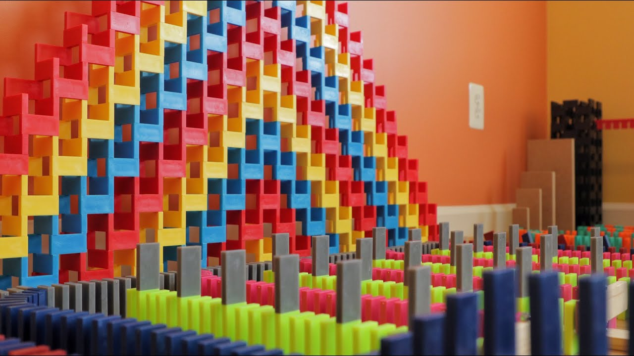 Tremendous Domino Topple in 10,000 Dominoes!