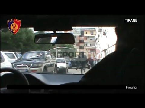 Report TV - Ekskluzive-Tiranë, policia përplaset me trafikantët e drogës