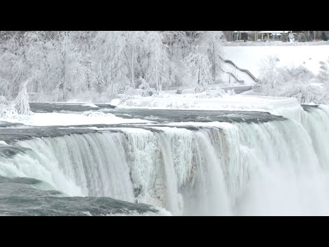 Parts of Niagara Falls freeze due to cold snap/winter storm