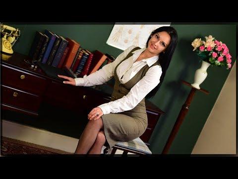 Sarah Borghi Curvelle Pantyhose Review - Cassie Clarke (20 Denier Tights)