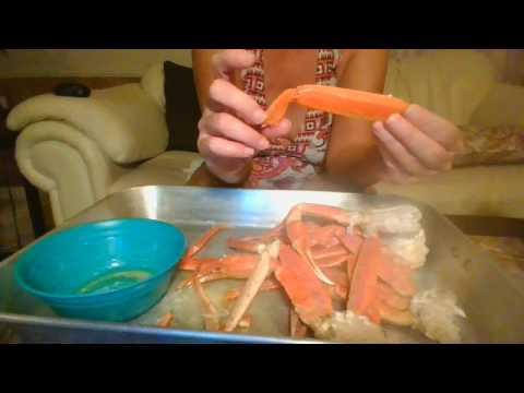 easiest way to crack crab legs