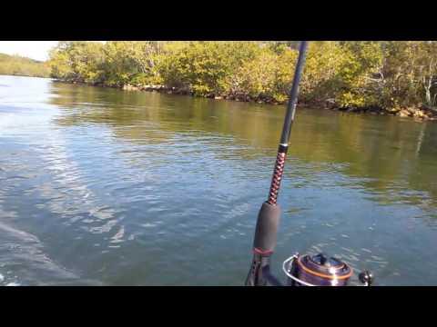 Water tender 9.4 ft motor mercury 2.5 hp 2 srtoker
