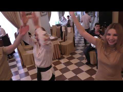 Братья Мхитарян на свадьбе Анны и Павла в Шахматном домике