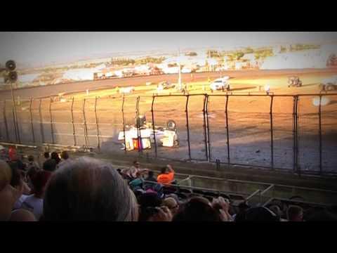 Civil War Sprint Car Crashes @ Silver Dollar Speedway 5/29/16