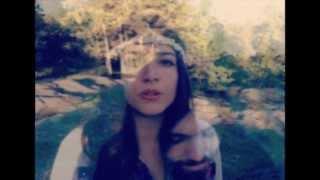 Смотреть клип Flora Cash - Freakin Love
