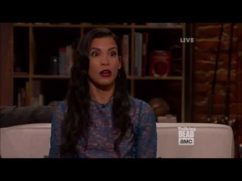 Talking Dead Fear  Danay Garcia Luciana on the kissing  with Nick