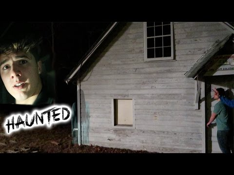 GOING INSIDE A HAUNTED HOUSE (PARANORMAL ACTIVITY SOCIAL EXPERIMENT IN THE HOOD GONE SEXUAL)