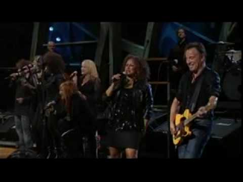 A fine boy (live 2009 ) darlene love & bruce springsteen mp3
