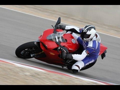 Ducati 1199 Panigale S First-Test & Fahrerimpressionen