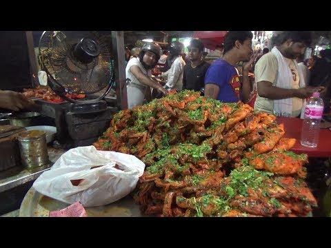 People Enjoying Malai Chicken Tikka | Delhi Street Food