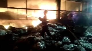 www.observatorulph.ro - incendiu in Ploiesti, la un depozit de mase plastice