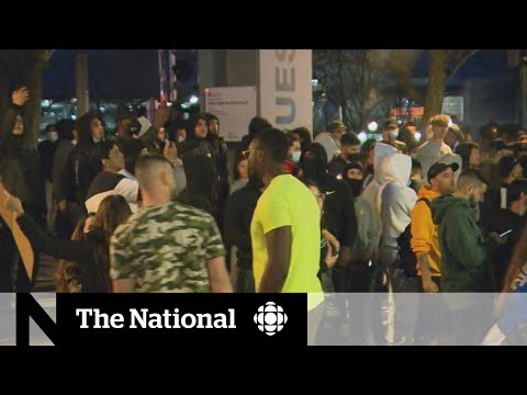 Hundreds in Montreal protest earlier curfew