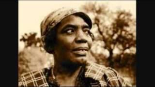 Bessie Jones and Georgia Sea Island Singers - O Death