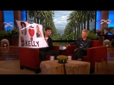 Kyle Chandler on Kelly Clarkson's Crush