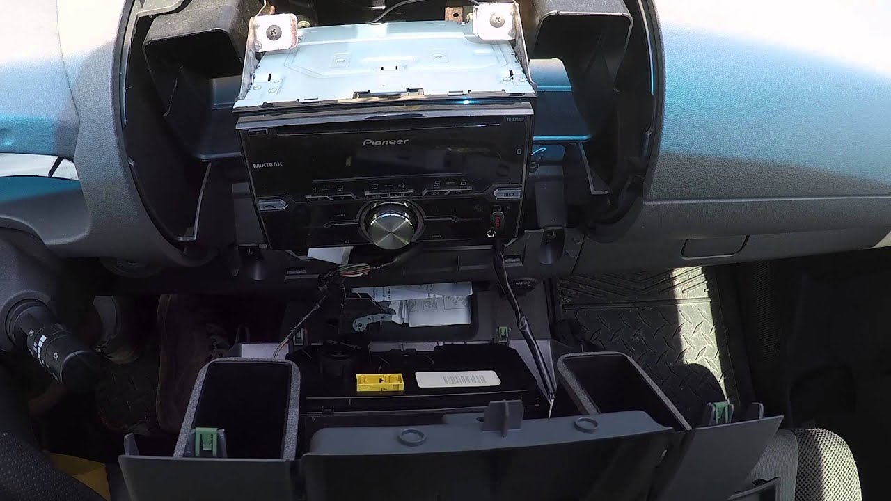 Removing A Radio From Nissan Xterra Youtube 2011 Frontier Stereo Wiring