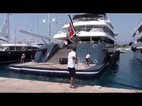 [PHOENIX II]: The Crazy US$ 160,000,000 Yacht - owned by JAN KULCZYK