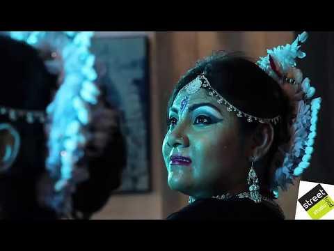 Indian Classical Dance Deepika Padukon And Priyanka Chopra Kalakātā