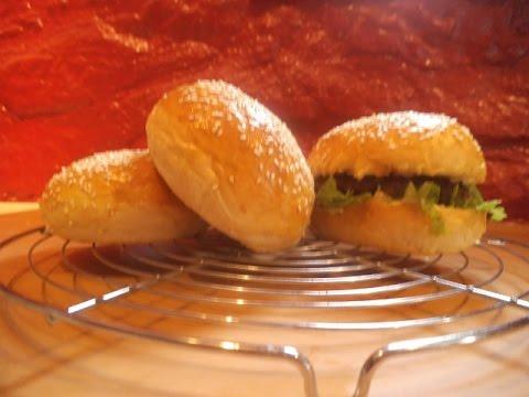 Video recette pain hamburger moelleux doovi - Herve cuisine hamburger ...