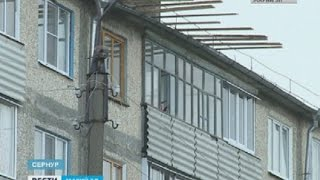 Управляющая компания не решает проблему протекающей крыши дома в Сернуре – Вести Марий Эл(, 2016-05-14T05:37:45.000Z)