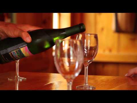 Visit a NH winery:Jewell Towne Vineyard