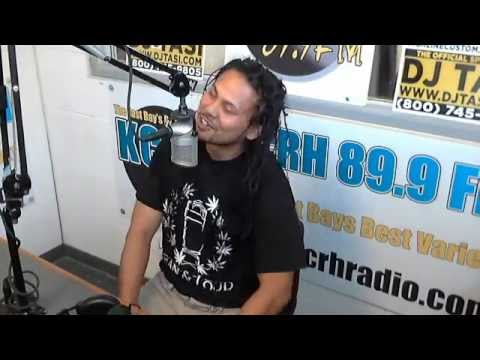 Ezale! #Live on KCRH 89.9 FM'S #TheMidDayMixUp