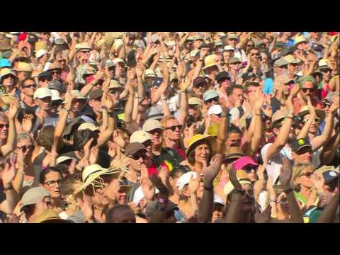 Calypso Rose - Leave me Alone (Live at Vieilles Charrues 2016)
