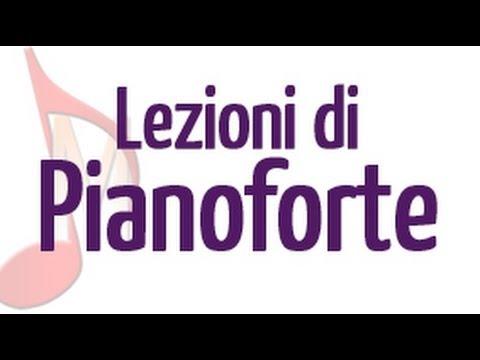 Lezione di pianoforte: come leggere lo spartito mentre si suona e l'importanza della diteggiatura