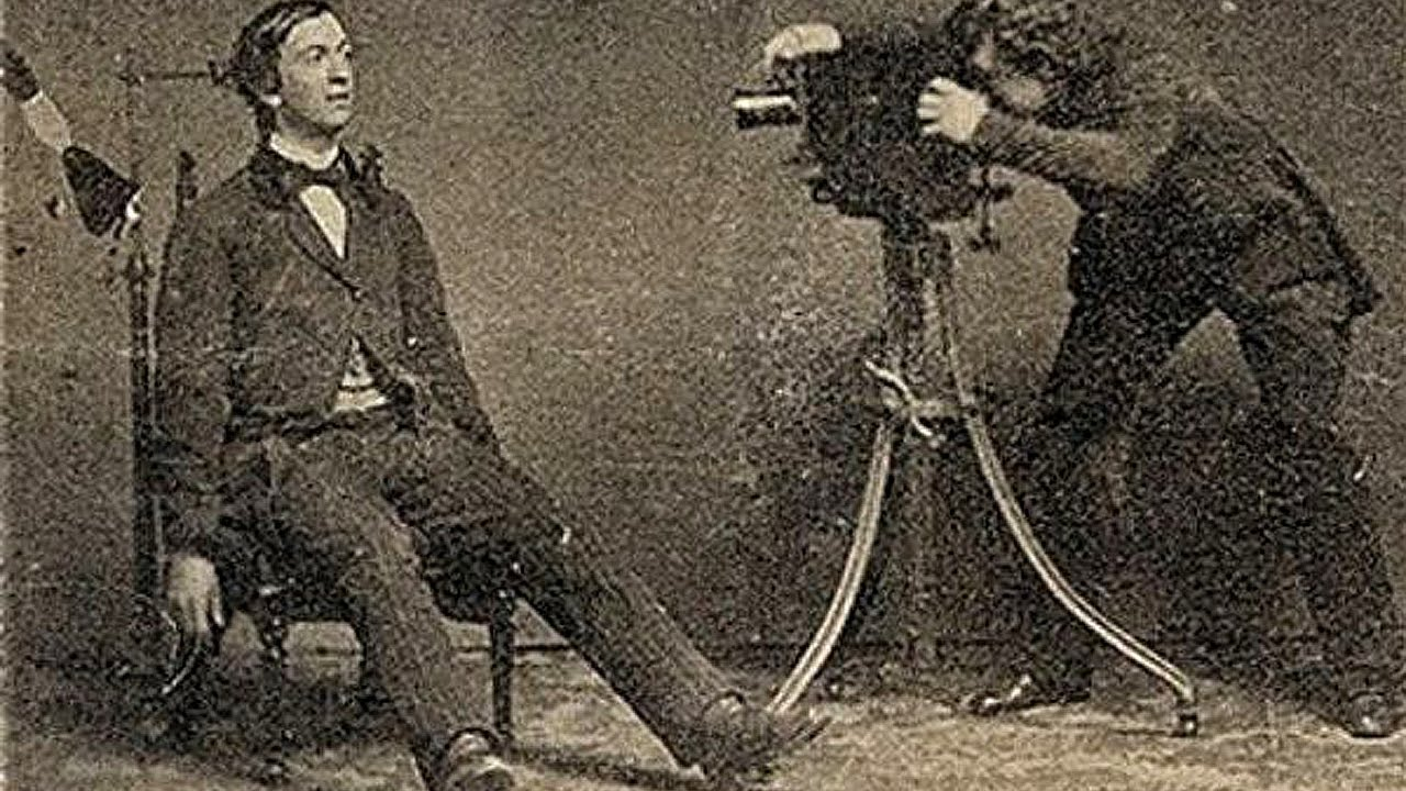 Geliefde Part 1: Victorian Era (1837 to 1901) Post-Mortem Photographs - YouTube #HO77