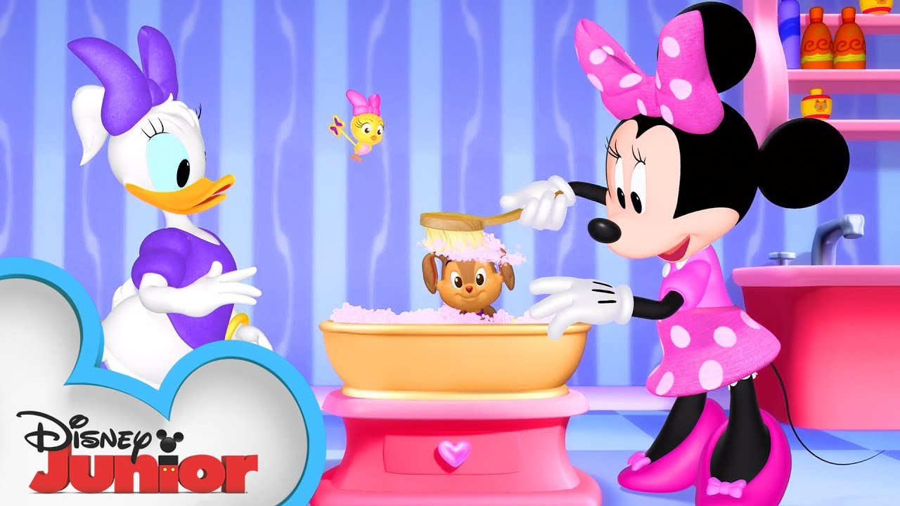 Wash Your Hands with Minnie, Doc, and Puppy Dog Pals 👐 | Music Video | Disney Junior