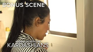 KUWTK | Kourtney Kardashian Fails at Making Bishi | E!