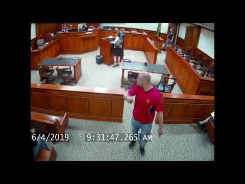 Дерзкий побег из зала суда