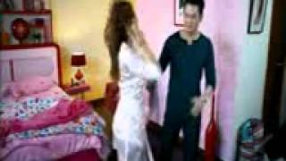 Download Video sex 1 cewek 5 cowok MP3 3GP MP4