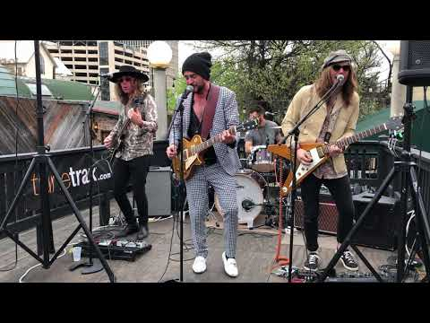 Wyves Live at SXSW 2019 Unofficial Rooftop Showcase