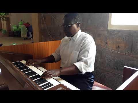 playing organ Wakati sasa umeshafika