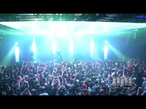 Korn featuring Skrillex:  At The Hollywood Palladium  Get Up