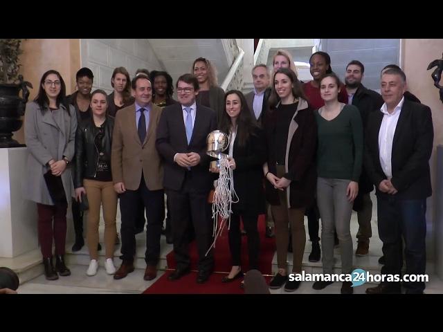 Recepción a las campeonas de la Copa de la Reina en el Ayuntamiento de Salamanca