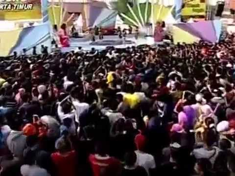 UUT PERMATASARI   MABOK JANDA