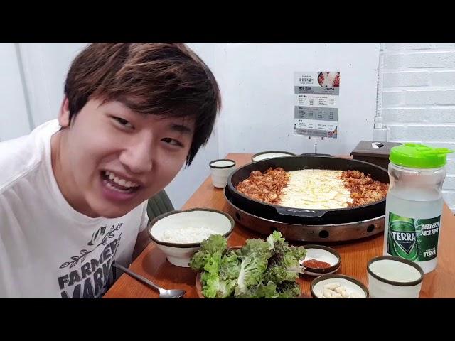 Finally an IRL Stream!   Febby Eating&Park Saeroyi's Haircut Vlog