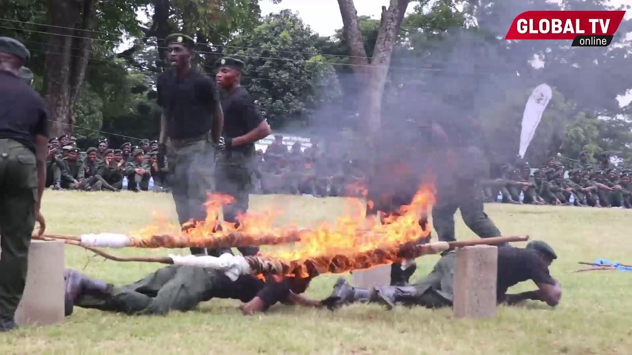 Download HATARI: MAKOMANDO WA JESHI USU Walivyopita Katikati ya MOTO