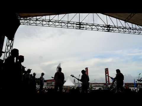 RHOMA IRAMA; Lagu stop dibelakang panggung